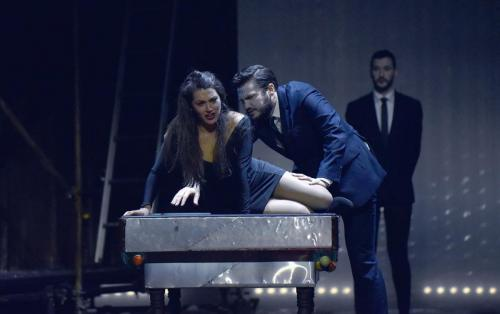 Nicola Said as Zerlina & Christian Bowers as Don Giovanni (Don Giovanni, Teatru Manoel) © Mark Zammit Cordina